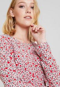 Marc O'Polo - DRESS FEMININE FLARED SHAPE LONG - Korte jurk - red - 4