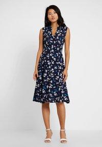 Marc O'Polo - DRESS FEMININE SHAPE FLARED - Korte jurk - dark blue - 0
