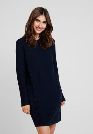DRESS LONGSLEEVE - Pletené šaty - midnight blue
