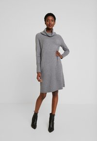 Marc O'Polo - HEAVY DRESS LONGSLEEVE - Strikket kjole - middle stone melange - 2