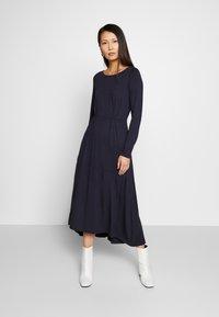 Marc O'Polo - DRESS BOAT NECK LONGSLEEVE - Maxi dress - night sky - 0