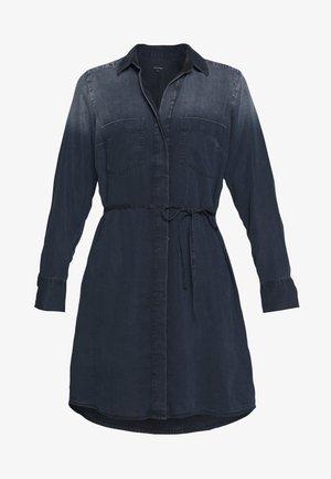 DRESS OPEN KENT COLLAR BELT DETAIL - Robe en jean - night sky