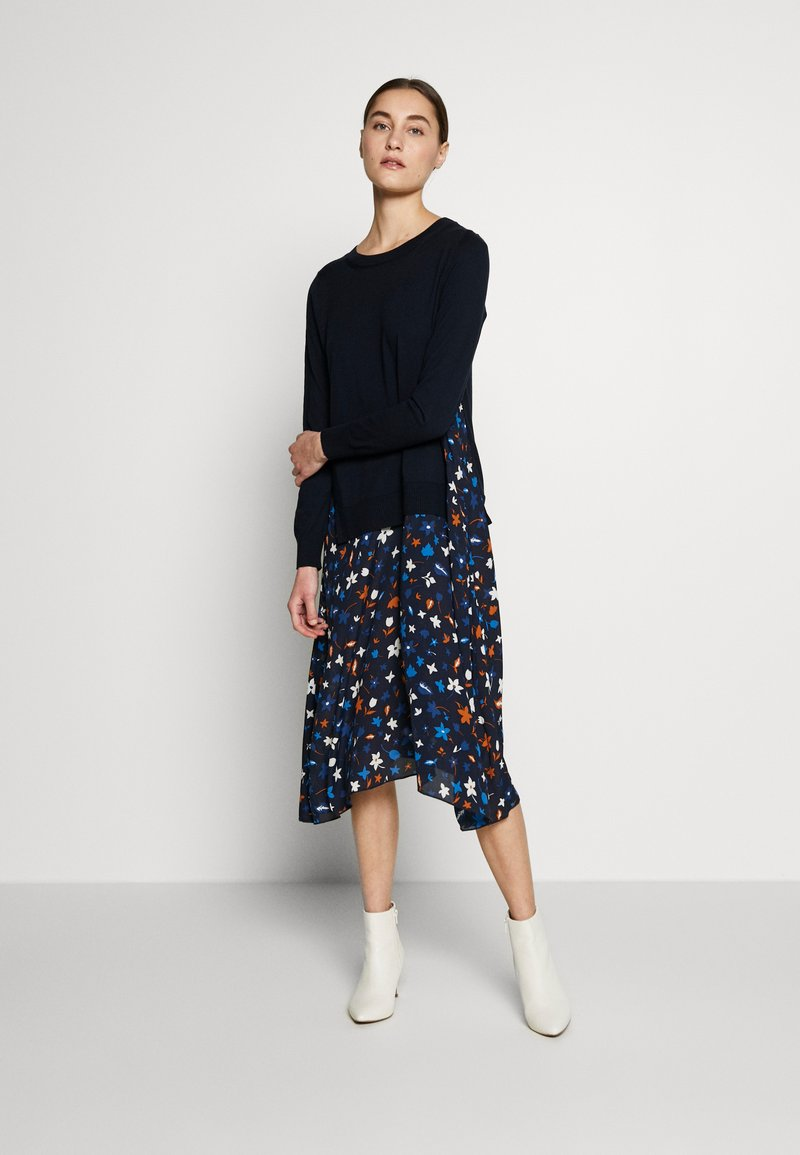 Marc O'Polo - DRESS LONGSLEEVE  PATCHED WITH PRINTED - Day dress - multi/night sky