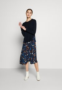 Marc O'Polo - DRESS LONGSLEEVE  PATCHED WITH PRINTED - Day dress - multi/night sky - 1