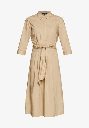 DRESS SHIRT STYLE PLACKET COLLAR WITH BELT - Košilové šaty - swedish pine