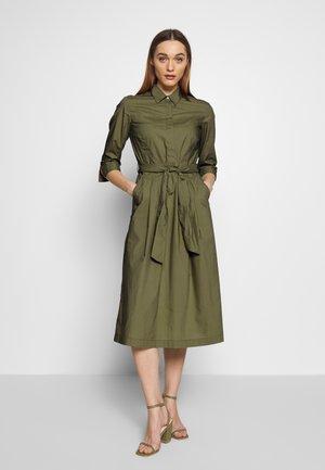 DRESS SHIRT STYLE PLACKET COLLAR WITH BELT - Blusenkleid - seaweed green
