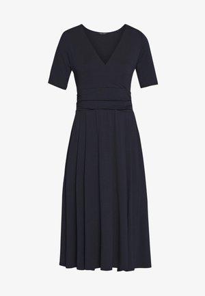 DRESS SHORT SLEEVE WRAPPED - Žerzejové šaty - night sky