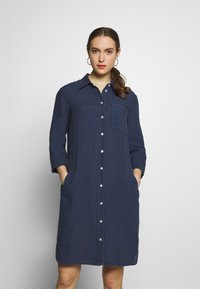 Marc O'Polo - DRESS TUNIQUE COLLAR WELT POCKETS SIDE SLITS - Shirt dress - dark blue - 0