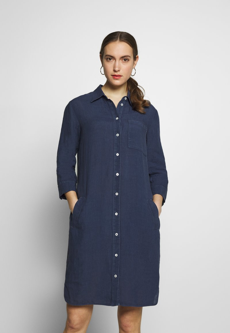 Marc O'Polo - DRESS TUNIQUE COLLAR WELT POCKETS SIDE SLITS - Shirt dress - dark blue