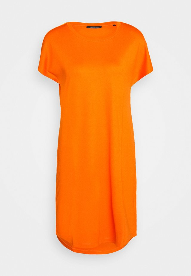 DRESS OVERCUT SHOULDER ROUND NECK - Vestido ligero - sunbaked orange