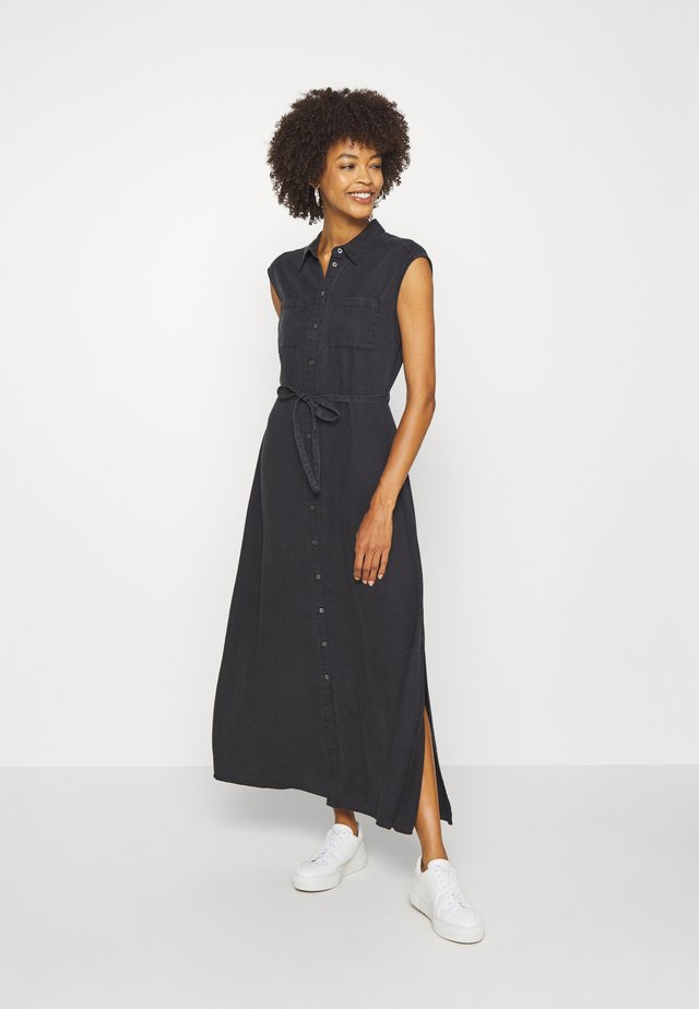DRESS BREAST POCKETS SMALL BELT SIDE SLITS - Vestido largo - breezy black