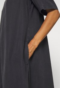 Marc O'Polo - DRESS FLARED A SHAPE V NECK - Day dress - breezy black - 5