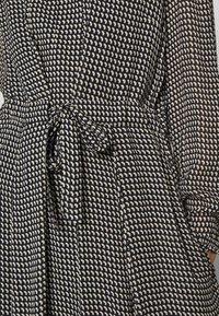 Marc O'Polo - DRESS LONG STYLE BELTED WAIST DETAILED NECKLINE - Vestido informal - black - 5