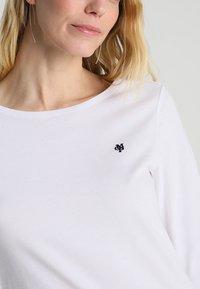 Marc O'Polo - LONG SLEEVE BOAT-NECK - Camiseta de manga larga - white - 4