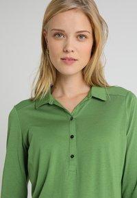 Marc O'Polo - PLACKET COLLAR - Poloshirt - green clover - 3