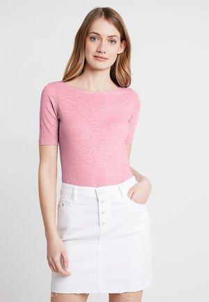 SHORT SLEEVE BOAT NECK - Basic T-shirt - light lavender