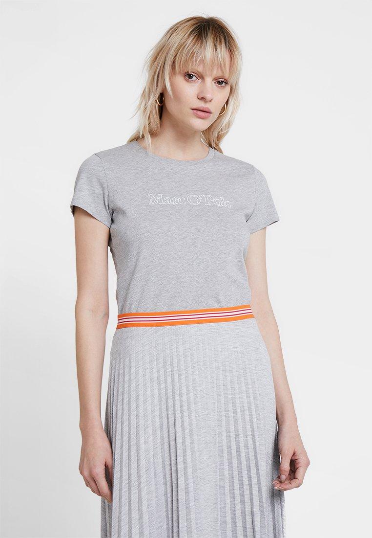 Marc O'Polo - SHORT SLEEVE ROUND NECK - Print T-shirt - mercury melange