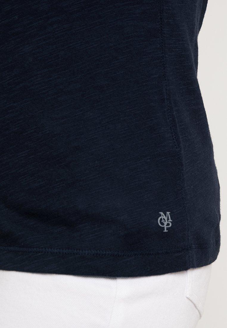 Marc O'Polo SHORT SLEEVE BOAT NECK - T-shirts - manic midnight