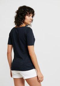 Marc O'Polo - SHORT SLEEVE BOAT NECK - T-shirts - manic midnight - 3