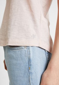 Marc O'Polo - ROUND NECK - T-shirt basic - rose smoke - 5
