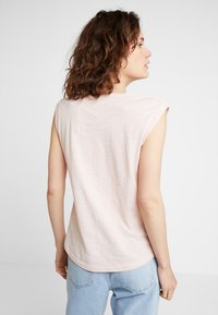Marc O'Polo - ROUND NECK - T-shirt basic - rose smoke - 2