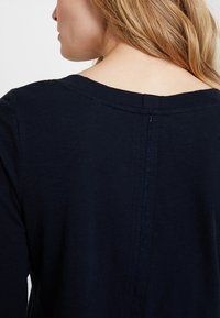 Marc O'Polo - 3/4 SLEEVE ROUNDED NECK - Long sleeved top - midnight blue - 5