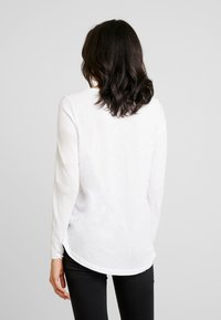 Marc O'Polo - LONG SLEEVE SLIGHT A SHAPE - Camiseta de manga larga - white - 2