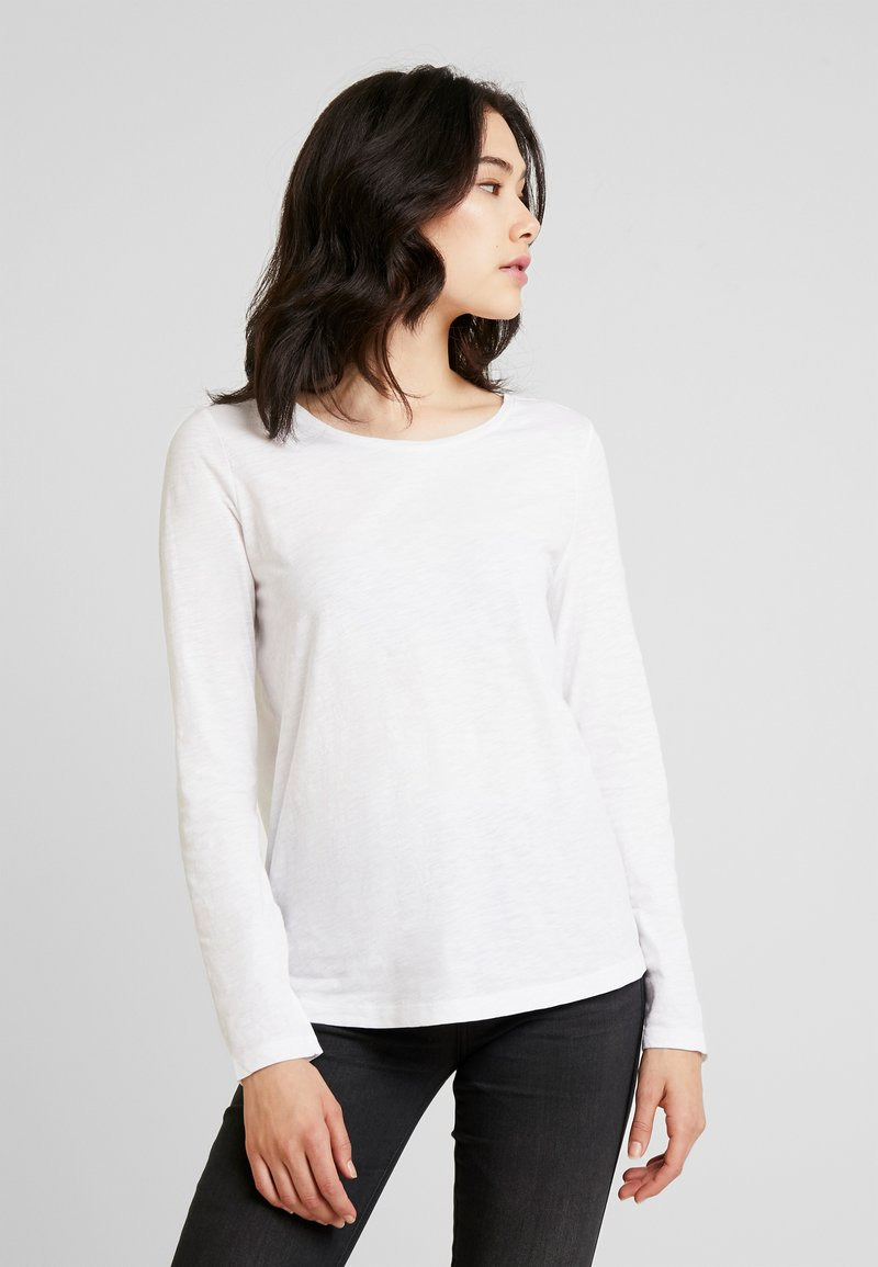 Marc O'Polo - LONG SLEEVE SLIGHT A SHAPE - Camiseta de manga larga - white