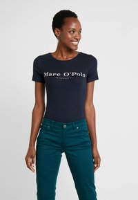 Marc O'Polo - ROUND NECK - T-shirt print - midnight blue - 0