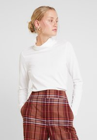 Marc O'Polo - LONG SLEEVE TURTLE NECK SOLID - Long sleeved top - soft white - 0