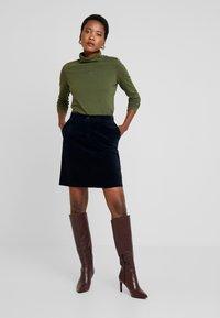 Marc O'Polo - LONG SLEEVE TURTLE NECK SOLID - Långärmad tröja - farmland green - 1