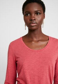 Marc O'Polo - LONG SLEEVE - Long sleeved top - berry smoothie - 4