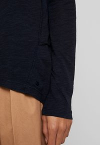 Marc O'Polo - LONG SLEEVE BOATNECK - Long sleeved top - midnight blue - 5