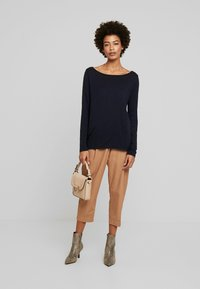 Marc O'Polo - LONG SLEEVE BOATNECK - Long sleeved top - midnight blue - 1