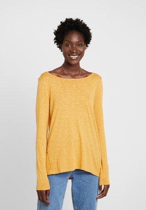 LONG SLEEVE - Camiseta de manga larga - amber wheat