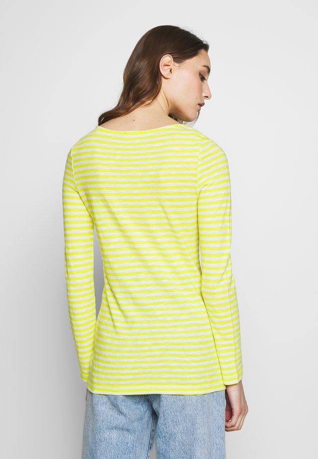 LONG SLEEVE BOAT NECK - Langærmede T-shirts - multi/juicy lime