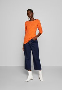Marc O'Polo - T-SHIRT, LONG SLEEVE, BOAT NECK - Long sleeved top - fresh carrot - 1