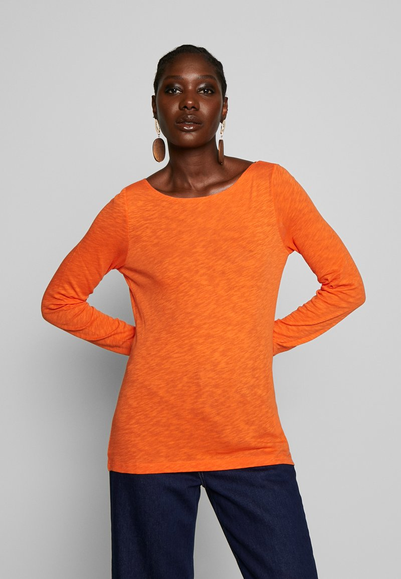 Marc O'Polo - T-SHIRT, LONG SLEEVE, BOAT NECK - Long sleeved top - fresh carrot