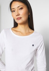 Marc O'Polo - LONG SLEEVE ROUND NECK SOLID - Topper langermet - white - 4