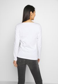 Marc O'Polo - LONG SLEEVE ROUND NECK SOLID - Topper langermet - white - 2