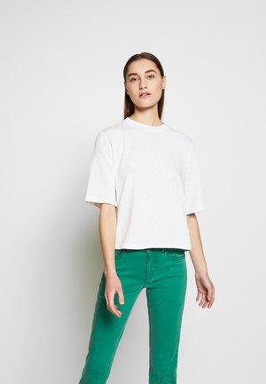 BOXY - Basic T-shirt - white