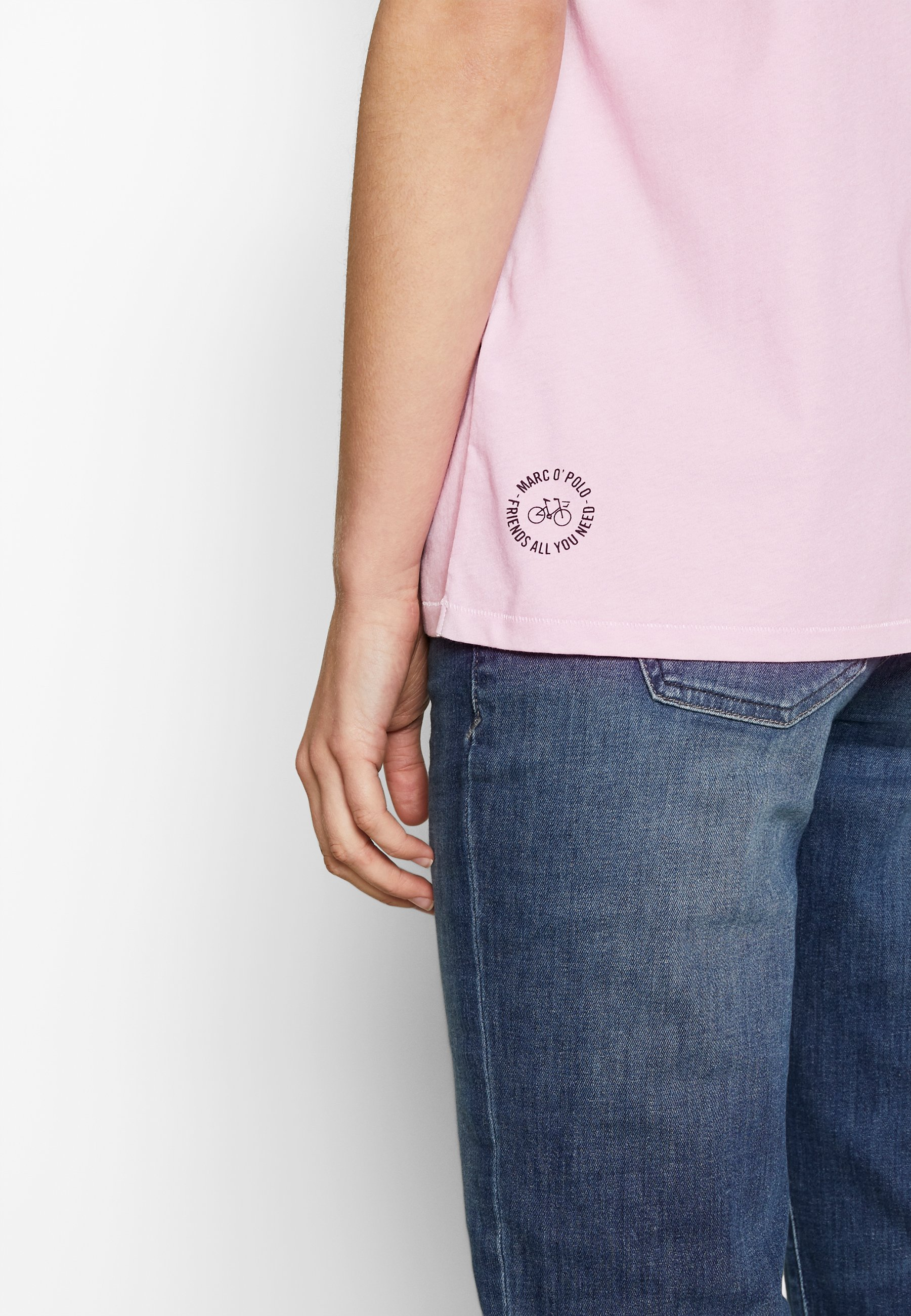 Marc O'Polo SHORT SLEEVE CREW NECK PLACED PRINT - T-shirts med print - bleached berry
