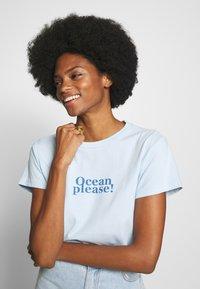 Marc O'Polo - SHORT SLEEVE - Print T-shirt - light blue - 3