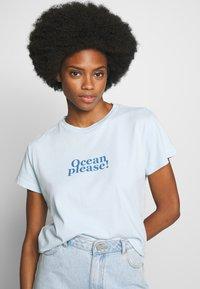 Marc O'Polo - SHORT SLEEVE - Print T-shirt - light blue - 0