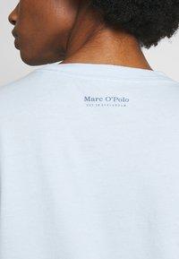 Marc O'Polo - SHORT SLEEVE - Print T-shirt - light blue - 6