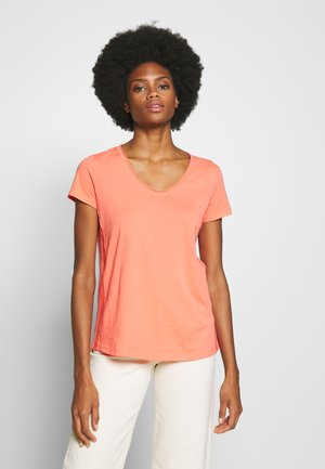 SHORT SLEEVE ROUNDED V-NECK RAW-CUT DETAILS - Jednoduché triko - salty peach