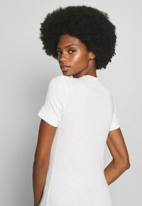 Marc O'Polo - T-SHIRT, SHORT SLEEVE, ROUND NECK - Jednoduché triko - oyster white - 3