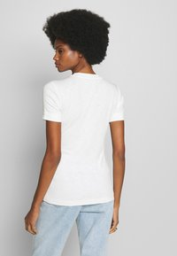 Marc O'Polo - T-SHIRT, SHORT SLEEVE, ROUND NECK - Jednoduché triko - oyster white - 2