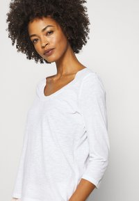 Marc O'Polo - SLEEVE ROUNDED NECK STITCHING DETAIL - Long sleeved top - white - 5
