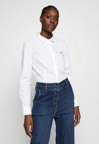 Marc O'Polo - CLASSIC STYLE SLIM - Skjorte - white - 0